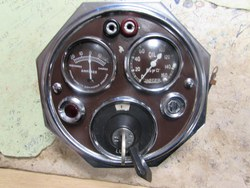 Complete dashboard instrument cluster panel Photo 1
