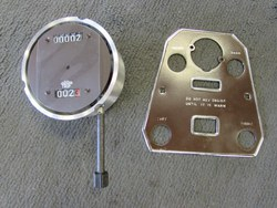 RHOMBIC CENTRE PANELS AND CHRONOMETRIC ODOMETERS. Photo 1