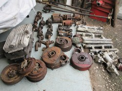 Huge quantity of 6 cylinder MMM parts have now arrived.  The photos do not really give an idea of the quantity or extent of the parts. Photo 2